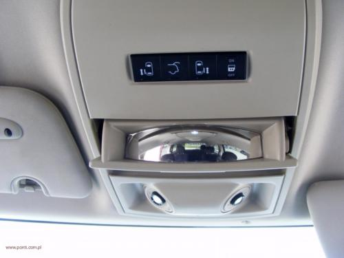 chrysler-town-country-2014[11]